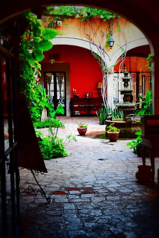 El Hotel Colonial
